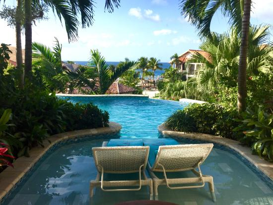 Pink Gin Beach, Grenada: Our swim-up suite