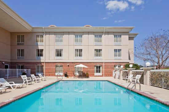 Photo of Holiday Inn Express Hotel & Suites Vicksburg
