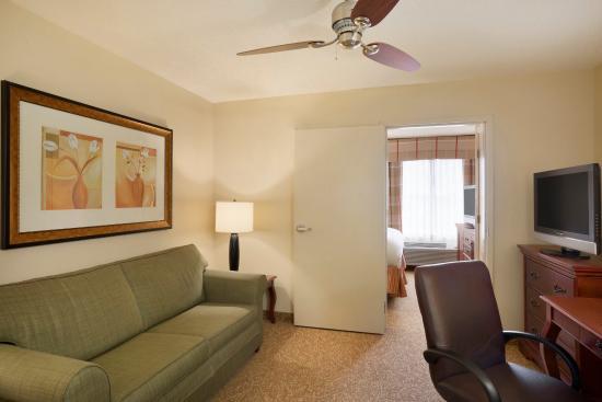 O'Fallon, IL: OFILTwo Room King Guest Suite