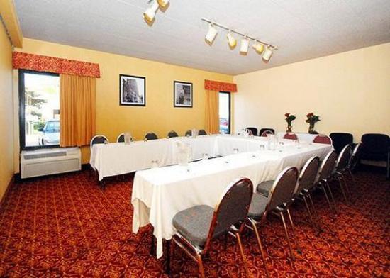 Elk Grove Village, IL: Meeting Room