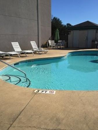 Travelers Rest Inn: Pool