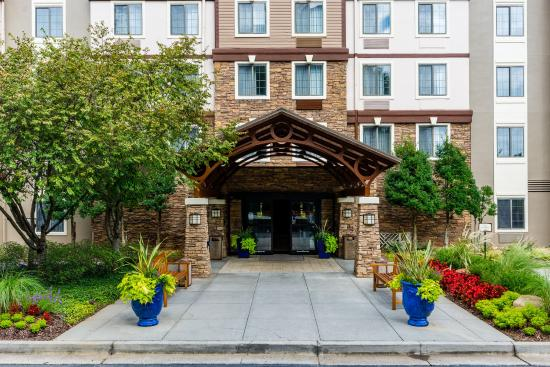 Staybridge Suites Atlanta - Perimeter Center East: Entrance