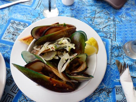 Reva's On The Waterfront : New Zealand Green Mussels