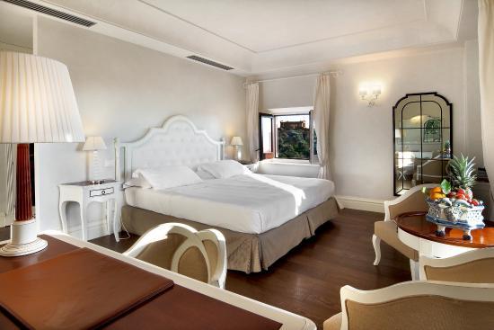 Hotel Villa Athena: Superior Room views