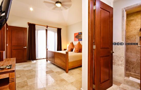 Acanto Boutique Hotel and Condominiums Playa del Carmen Mexico: 2 Bedroom Penthouse with Private Rooftop