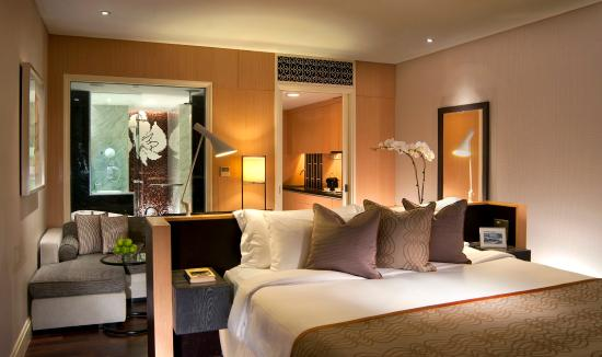 Ascott Raffles Place Singapore: Bedroom Of Cutler Suite (Studio)