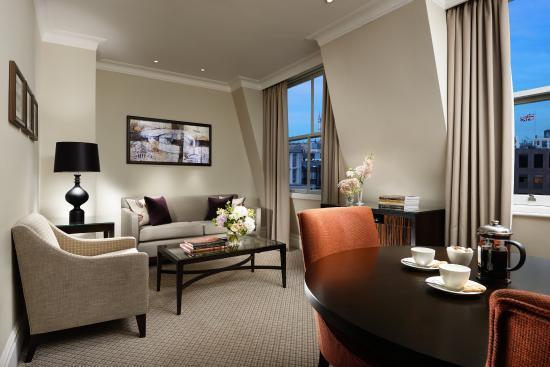 Taj 51 Buckingham Gate Suites and Residences: Taj Buckingham Gate Falconers One Bedroom Suite
