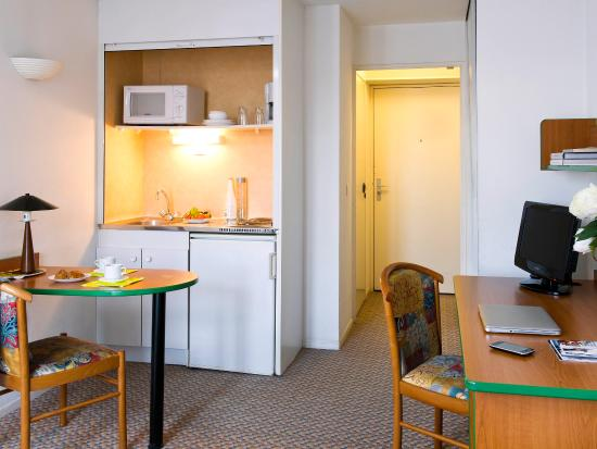 Adagio access paris maisons alfort maisons alfort france for Apart hotel maison alfort