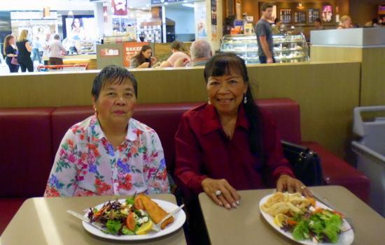 Port Noarlunga, Australien: Souvenir photo of myself and my friend Linda