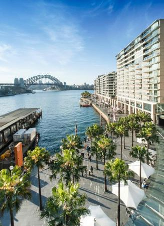 Pullman Quay Grand Sydney Harbour: Exterior