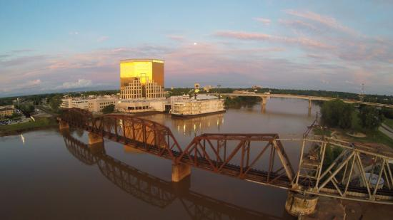 Horseshoe Casino Luxury All-Suite Hotel: View from across the Red river