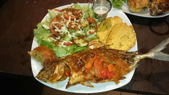 Isla San Cristobal, Panama: Fish Dinner