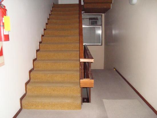 Hotel Aiello: acceso por escalera