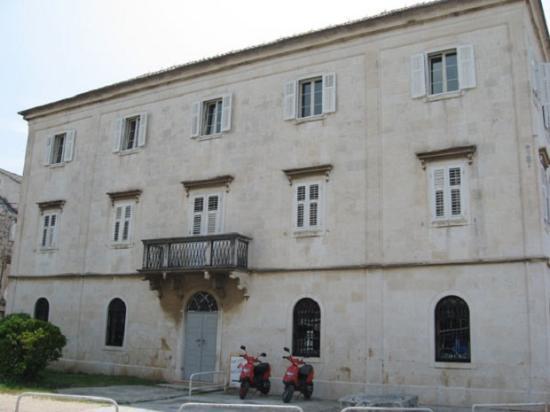 Villa Moretti: Building exterior