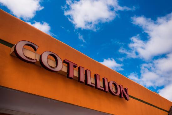 Jericho, estado de Nueva York: Cotillion