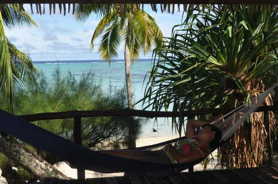 "Tamanu Beach: En el porche... ""Mirando al mar soñe...."""