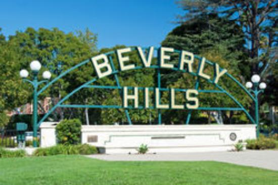 Guideline Tours: The Beverly Hills Sign