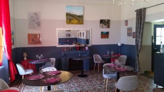 Velleron, Γαλλία: La salle à manger...