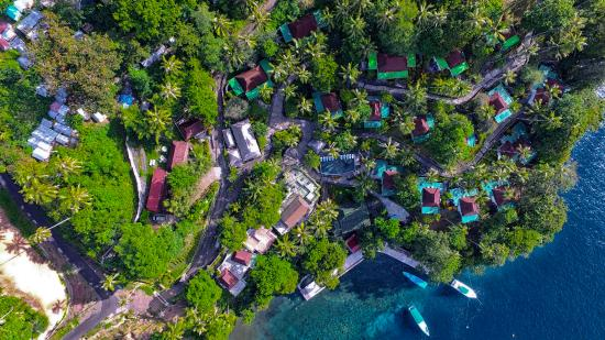 DABIRAHE Dive, Spa and Leisure Resort (Lembeh) : Dabirahe from the sky