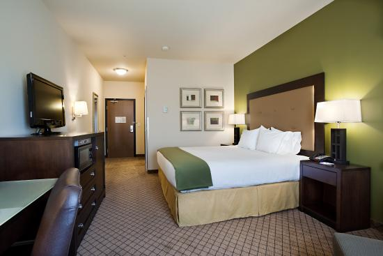 Silt, CO: Sleep well in our King rooms.