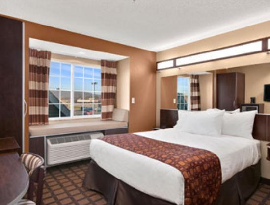 Microtel Inn & Suites by Wyndham Harrisonburg: 1QueenBed