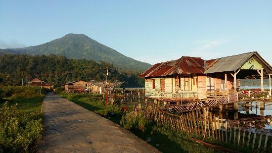 Суматра, Индонезия: Amazing Ranau Lake