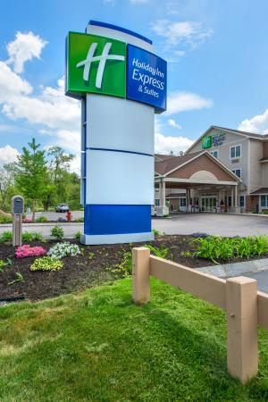 Photo of Holiday Inn Express & Suites Tilton