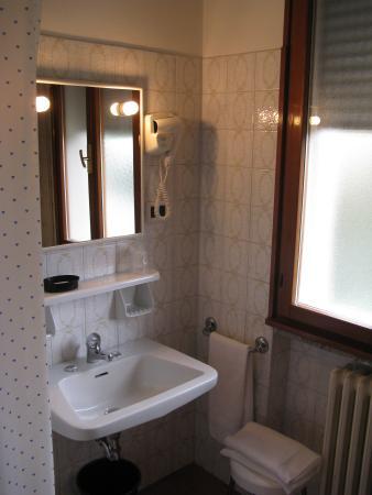 Hotel Lanterna: Bagno camera