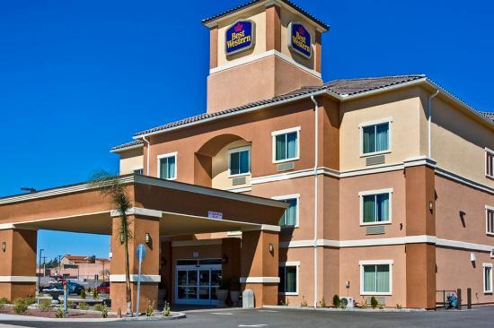 Nogales, Аризона: BEST WESTERN Sonora Inn & Suites