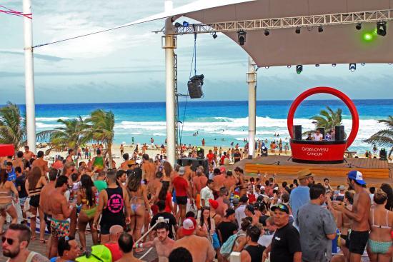 Grand Oasis Cancun Beach Club