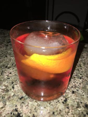 Bahri Bar : Best Negroni in town