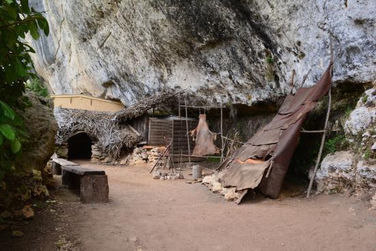 La laugerie basse, reconstitution d'un abri Magdalénien
