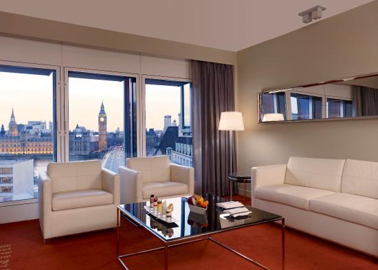Park Plaza Westminster Bridge London: 1 bedroom suite iconic view