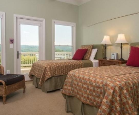 Inn at Riverbend: Guest Room