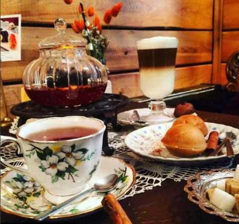 Tea & Coffee served with antique cups, Tea Time in Istanbul