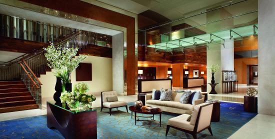 The Ritz-Carlton, Toronto: Lobby - Glass Bridge