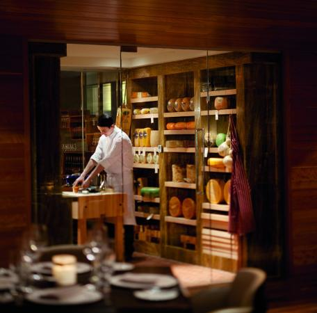 The Ritz-Carlton, Toronto : TOCACheese Cave