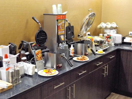 BEST WESTERN Naperville Inn: Breakfast cafe