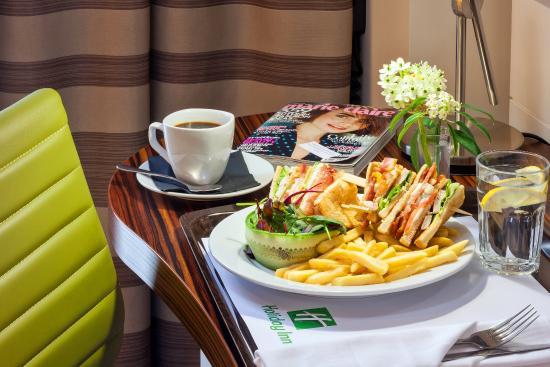 Staybridge Suites London-Stratford City: Room Service