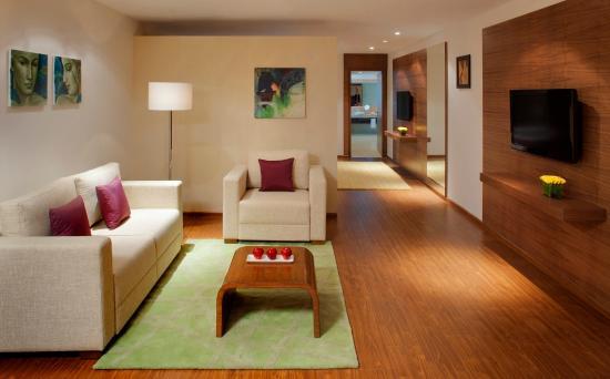 Radisson Blu Plaza Hotel Hyderabad Banjara Hills: Deluxe Suite