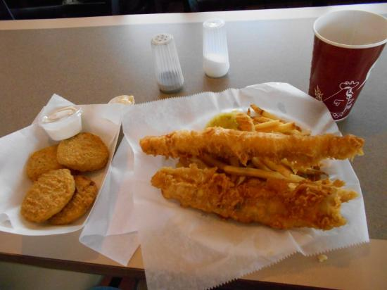 Watervliet, MI: Fried green tomatoes , 2 piece fish and fries