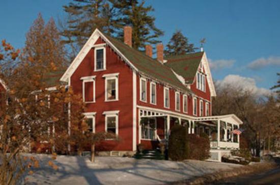 Sanbornton, NH: Lake House On Ferry Point