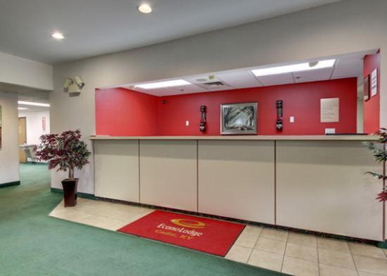 Econo Lodge Cadiz: Lobby
