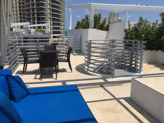 Amazing rooftop terrace jacuzzi and view picture of z for Terrace jacuzzi