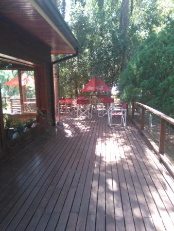 Jardin America, Argentina: Mesas ao ar livre e com uma vista acolhedora