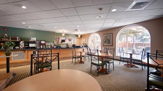 Caldwell, ID: breakfast area