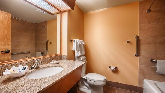 Caldwell, ID: guest room, bathroom
