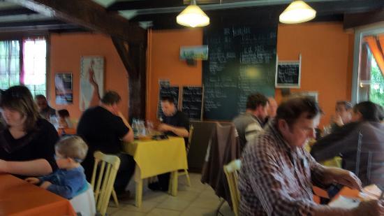 Couddes, ฝรั่งเศส: La Taille Rouge