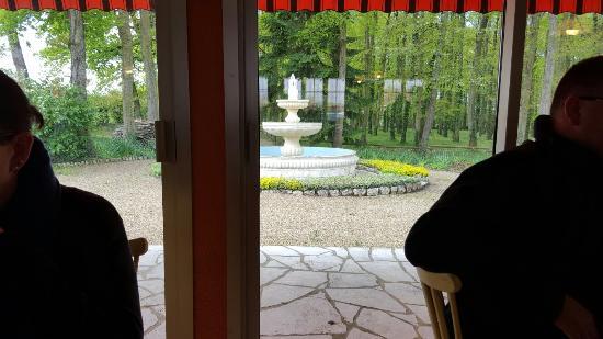 Couddes, Франция: La Taille Rouge