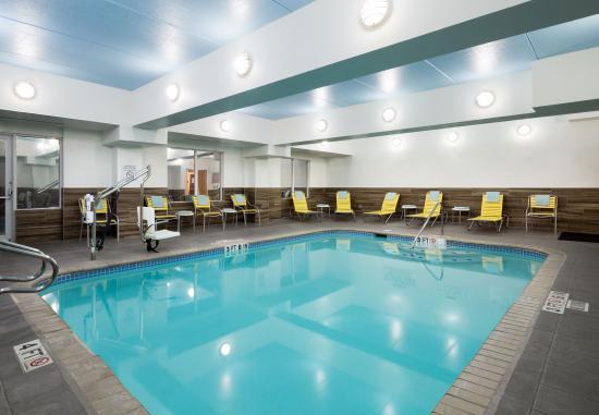 Fairfield Inn & Suites San Antonio Airport/North Star Mall: Indoor Pool
